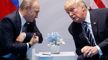 Zdjęcie z 2017 roku. Spotkanie Władimira Putina i Donalda Trumpa w Hamburgu na szczycie G20