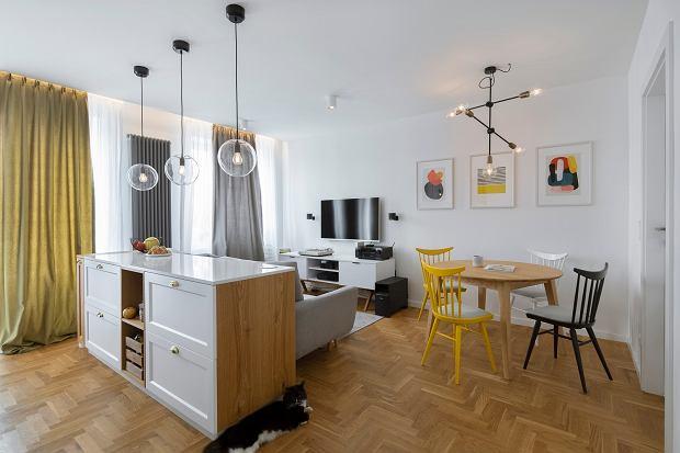 bc79af69c8 Mieszkanie w warszawskiej kamienicy  zgrany duet nowoczesności i retro