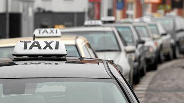 Taksówkarze w ramach protestu przejadą zwarta kolumną przez miasto