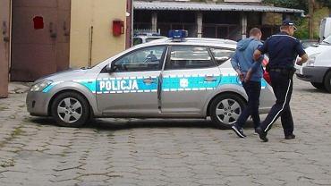Zeznania kuriera wzbudziły podejrzenia policji, fot. Komenda policji w Łowiczu