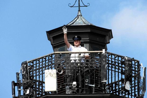 Hejnalista Hubert Chiczewski na ratuszowej wieży