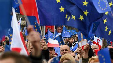 Marsz dla Europy 'Kocham Cię Europo' w 2017 roku Warszawie