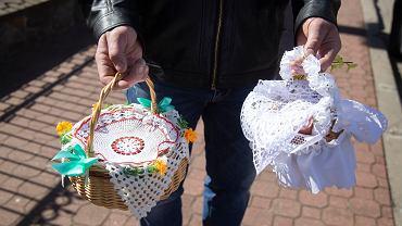 Rząd ogłasza nowe obostrzenia. Apel dotyczy Wielkanocy. 'Spotkania przełożyć na inny, bardziej bezpieczny czas'