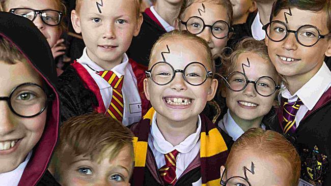 Harry Potter sprzedaje książkę co 45 sekund. Do Polski wchodził bez nachalnego marketingu