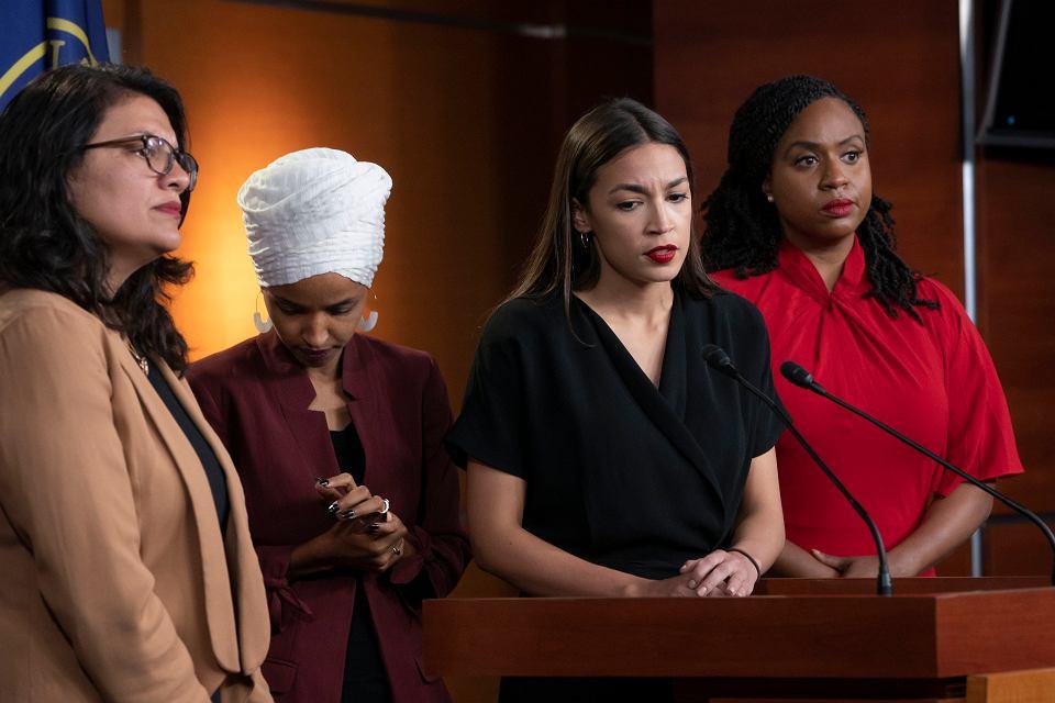 Alexandria Ocasio-Cortez, Ilhan Omar, Rashida Tlaib  i Ayanna S. Pressley - cztery kongresmenki zaatakowane przez Trumpa