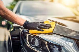 Jak skutecznie umyć auto? Detailing we własnym garażu