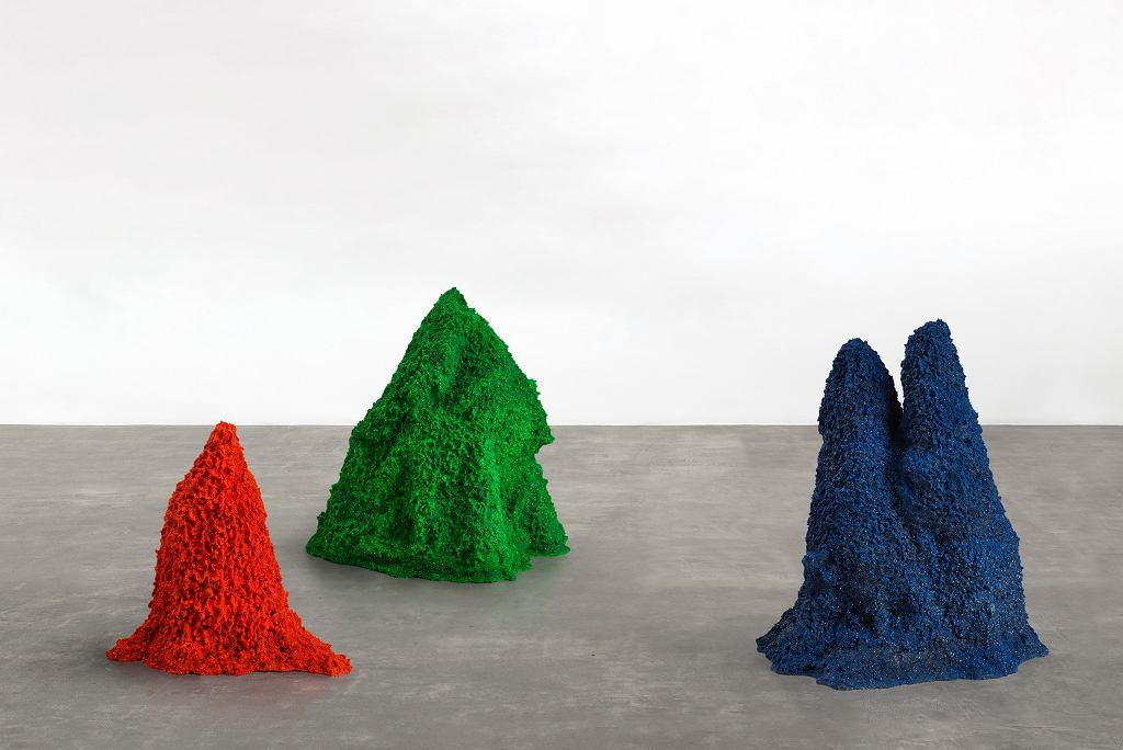 Agnieszka Kurant, A.A.I. (Sztuczna Sztuczna Inteligencja), 2015. Z wystawy 'Erroryzm' Muzeum Sztuki w Łodzi