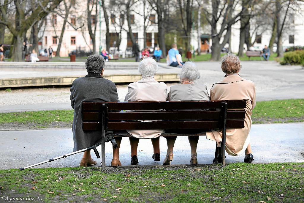 Czternasta emerytura. Kiedy będzie wypłacana? Rząd podał termin (zdjęcie ilustracyjne)