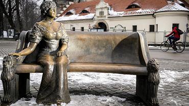 Ławeczka na rynku w Pszczynie autorstwa Joachima Krakowczyka