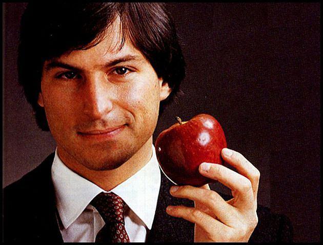 Steve Jobs w roli Ashtona Kutchera