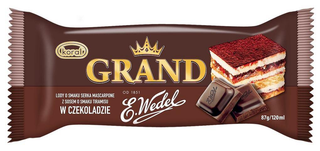 Lody Grand o smaku serka mascarpone z sosem o smaku tiramisu w czekoladzie E.Wedel