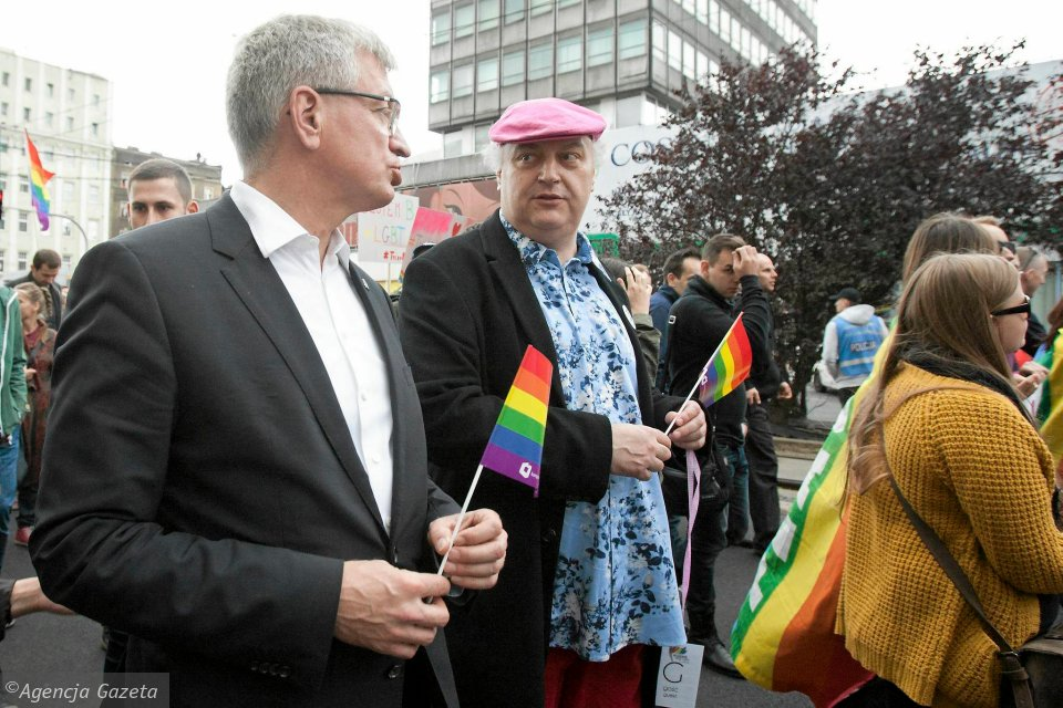 Marsz Równości w Poznaniu w 2015 r. Prezydent Jacek Jaśkowiak i zastępca dyrektora Teatru Polskiego w Poznaniu Maciej Nowak