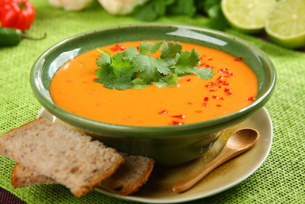Zupa pomidorowa po indyjsku