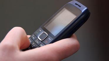 Telefon komórkowy - zdjęcie poglądowe