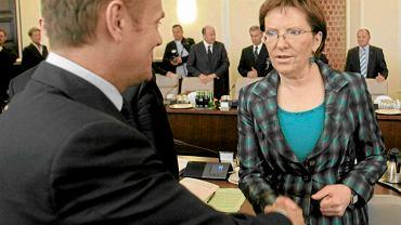 Donald Tusk i Ewa Kopacz podczas posiedzenia rządu. Zdjęcie z kwietnia 2010 roku