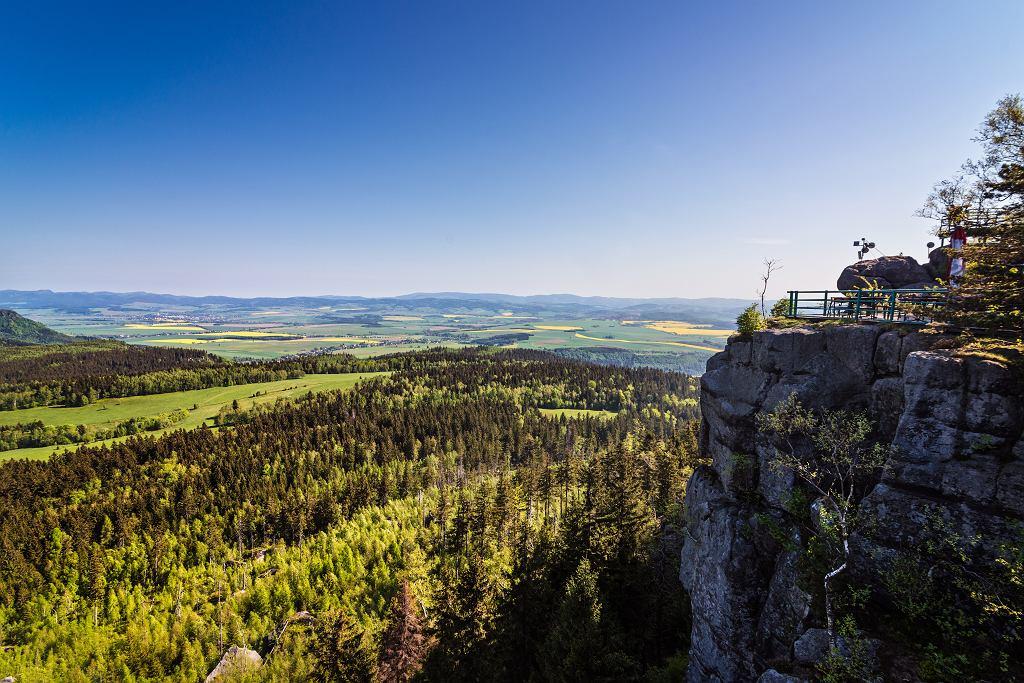 Szczeliniec Wielki - najwyższy szczyt w Górach Stołowych