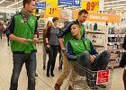 Dlaczego siatkarze AZS jeździli z wózkami po sklepie?