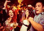 Co się dzieje w naszym organizmie, kiedy wypijemy zbyt dużo alkoholu? Zmienia się m.in. praca mózgu