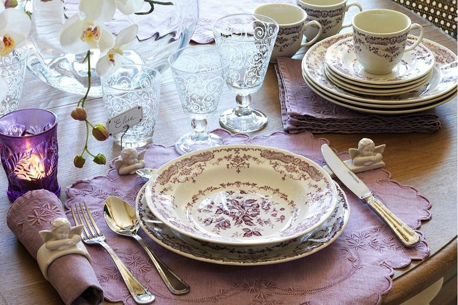 Eleganckie nakrycie stołu