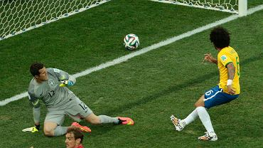 <b>W Sao Paulo rozpoczęły się mistrzostwa świata w piłce nożnej. Oto najlepsze zdjęcia z pierwszego meczu i ceremonii otwarcia</b><br> Marcelo zdobył bramkę samobójczą