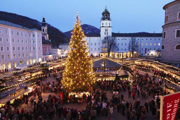 Świąteczny jarmark w Salzburgu
