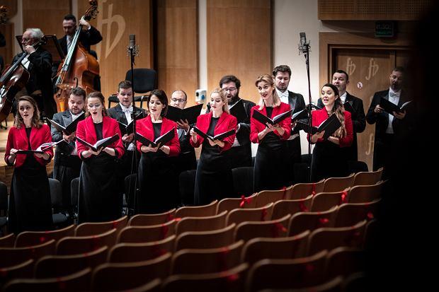 Opera i Filharmonia Podlaska. 'Oratorium na Boże Narodzenie' Bacha pod kierunkiem Marka Toporowskiego w wykonaniu Chóru i Orkiestry OiFP oraz solistów