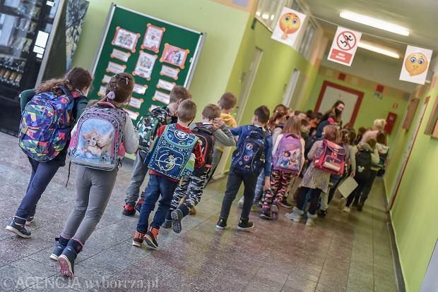 Kiedy powrót dzieci do szkół? Dr Paweł Grzesiowski: Otwieranie szkół bez zaszczepienia nauczycieli jest ryzykowne