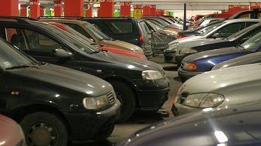 Parking w centrum handlowym Arkadia