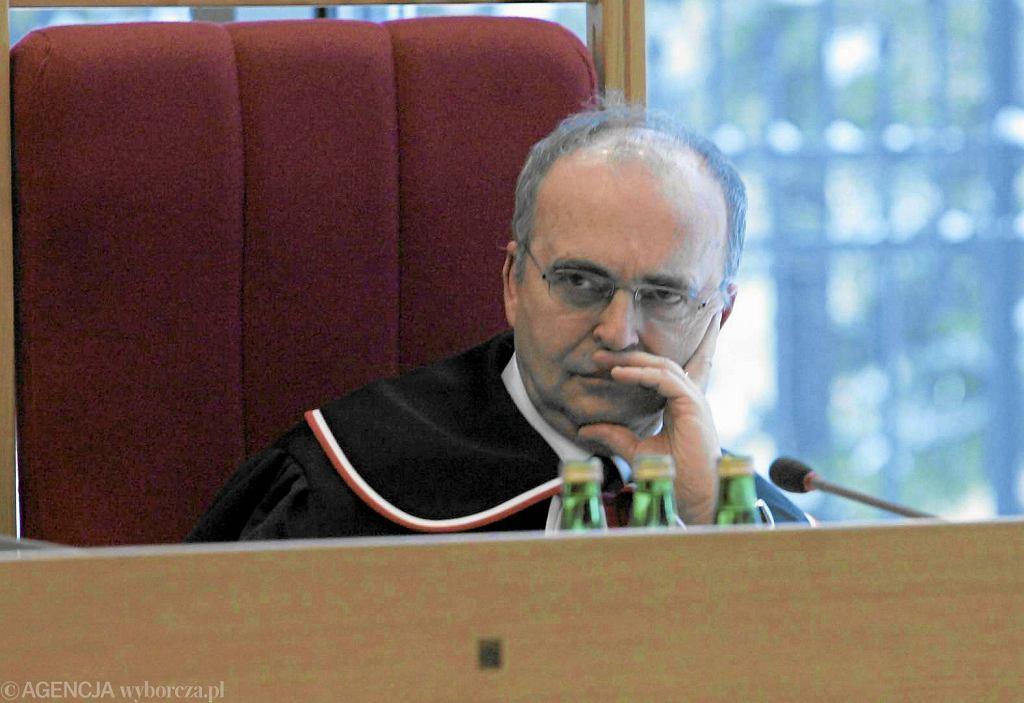 Prof. Mieczysław Wyrzykowski jako sędzia TK. Zdjęcie z 2010 r.