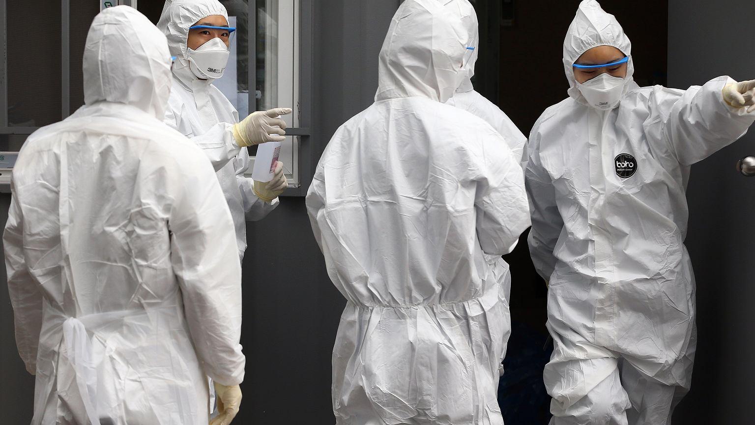 Dlaczego nie mówi się o pandemii choroby, którą wywołuje koronawirus? Panika to jedno, ale są inne obawy