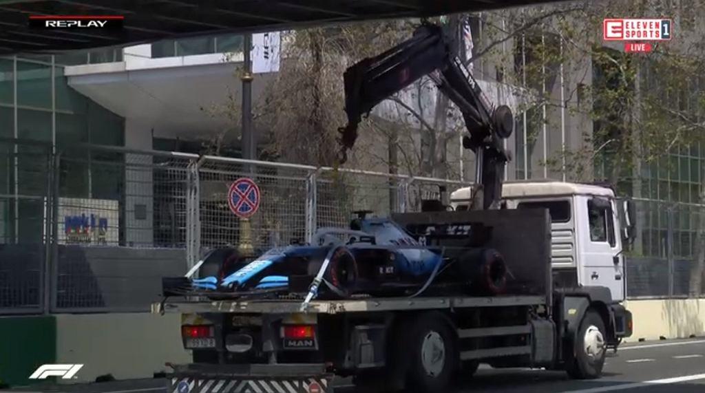 Laweta z samochodem Williamsa