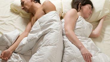 Zmęczeni, zestresowani, bez czasu na rozmowę z partnerem - jak współczesny styl życia przekłada się na nasze życie seksualne?