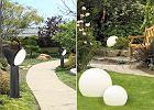 Lampy ogrodowe - które wybrać? Modele na taras, balkon i do ogrodu