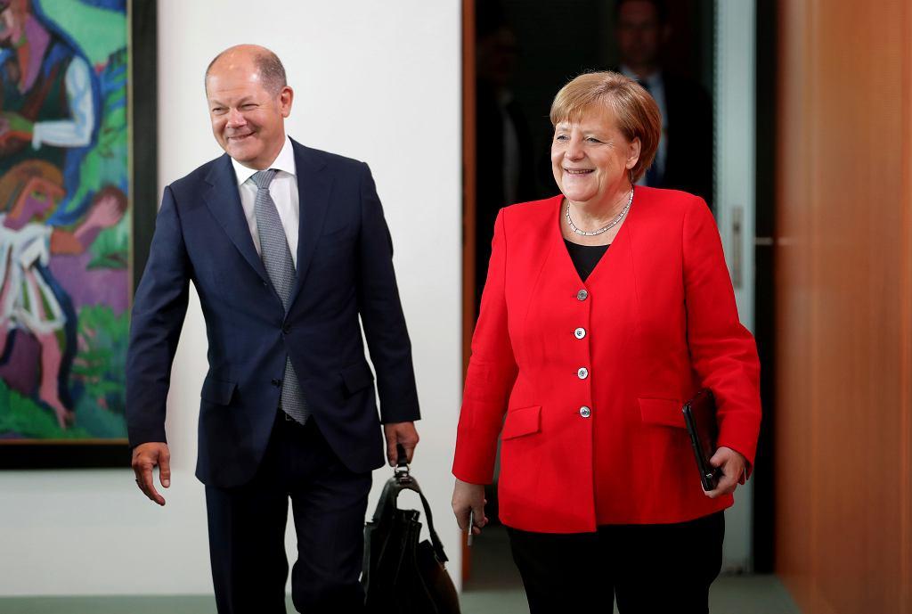 Angela Merkel i minister finansów Olaf Scholz