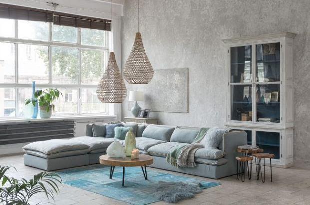 Oryginalne lampy sufitowe do dużego salonu