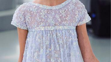 Modne spódnice i sukienki na wiosnę - propozycje znanych marek w świetnej cenie