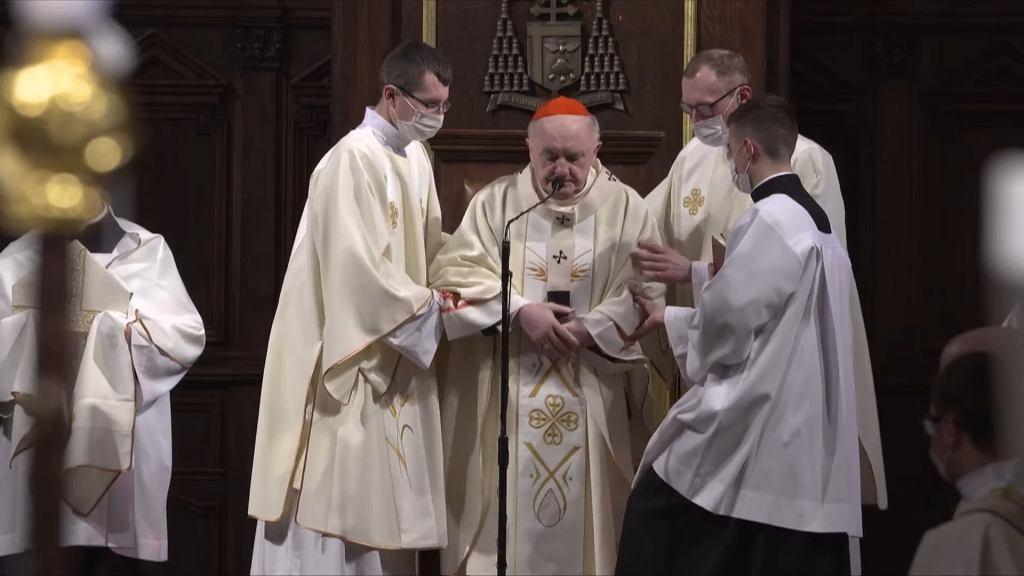 Kardynał Kazimierz Nycz zasłabł w czasie mszy w Wielki Czwartek