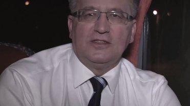 """Bronisław Komorowski w """"bronkobusie"""""""