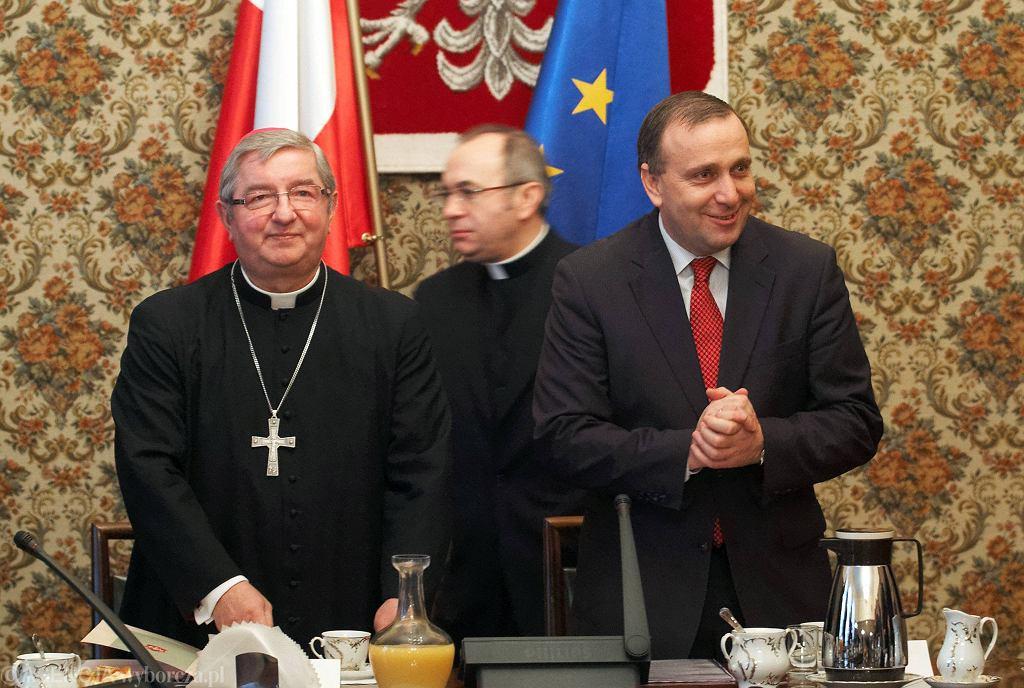 Biskup Głódź, ks. Józef Kloch, Grzegorz Schetyna. Posiedzenie komisji wspólnej episkopatu i rządu, Warszawa, grudzień 2008