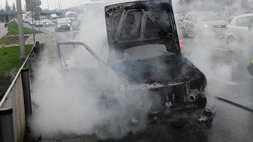 Pożar samochodu w alei Wilanowskiej - zdjęcie ilustracyjne