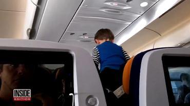 3-latek w samolocie
