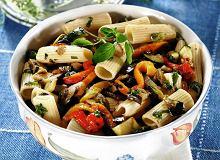 Makaron z grillowanymi warzywami, anchois i oregano - ugotuj