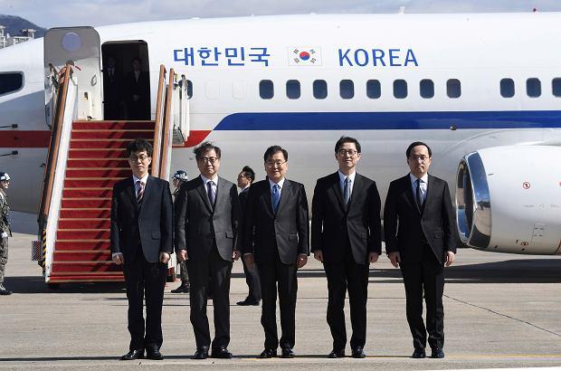 Delegacja z Korei Południowej przed wylotem na spotkanie w Korei Północnej