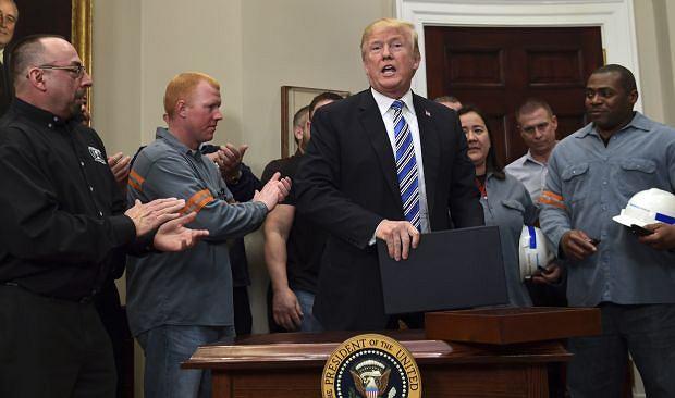 Prezydent Trump ogłosił wprowadzenie ceł na import stali i aluminium