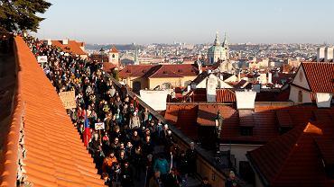 Czesi w dniu obchodów rocznicy aksamitnej rewolucji protestowali przeciw premierowi Babiszowi