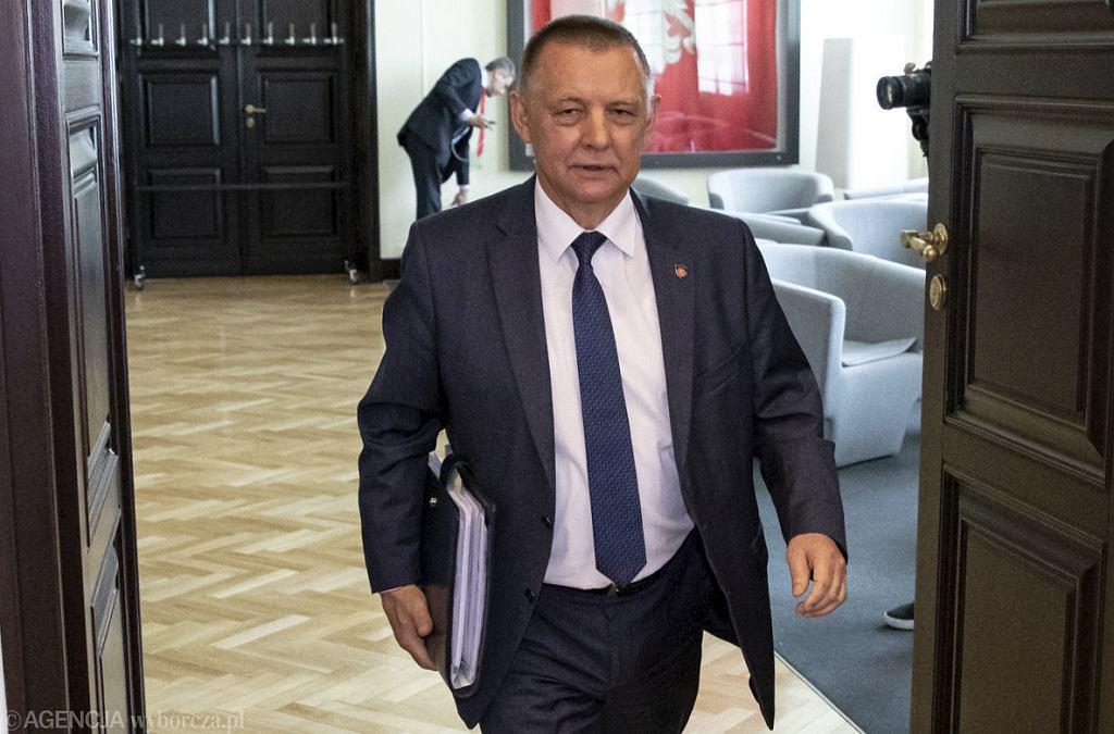 Marian Banaś przed posiedzeniem rządu, 6 czerwca 2019.