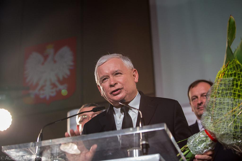 Jarosław Kaczyński oświadczył, że 'byłoby lepiej dla Polaków', gdyby w ważnych sprawach opozycja współpracowała z rządem.