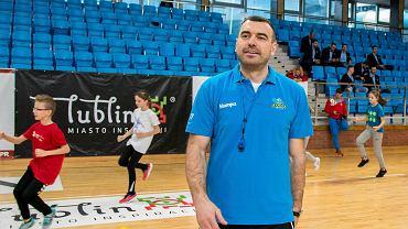 Hala MOSiR. Impreza  Lubelskie Handball Camp & Festival. Trener Azotów Bartosz Jurecki