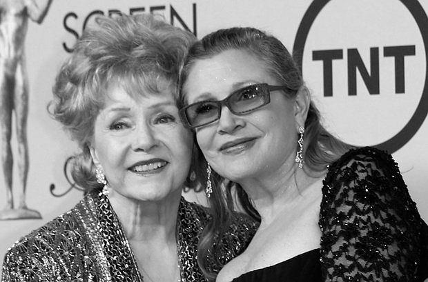 Debbie Reynolds, Carrie Fisher, 2015 / MIKE BLAKE / REUTERS