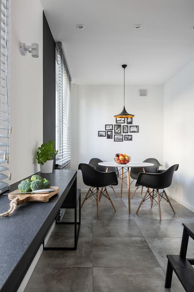 Minimalistyczne mieszkanie pełne światła